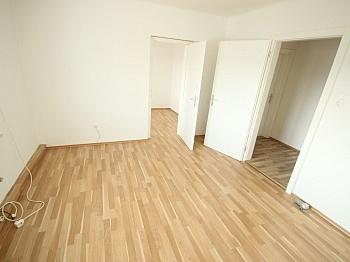 Dusche Heizung Küche - Sanierte 2,5 Zi Wohnung 59m² in der Gasometergasse