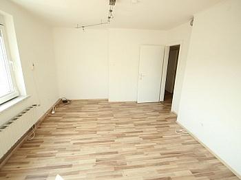 Wohnungstüre Lastenstrasse Fliesenböden - Sanierte 2,5 Zi Wohnung 59m² in der Gasometergasse