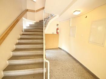 komplett Vorraum großes - Sanierte 2,5 Zi Wohnung 59m² in der Gasometergasse