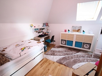 schöner Aussicht sanierte - TOP 160m² 5 Zi Wohnung in der Gartengasse