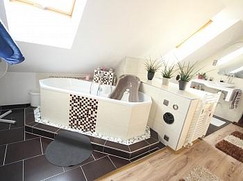 Diele neuer Kamin - TOP 160m² 5 Zi Wohnung in der Gartengasse