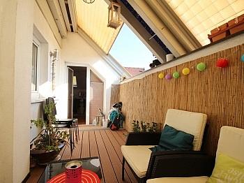Essküche Stockwerk Kaminofen - TOP 160m² 5 Zi Wohnung in der Gartengasse