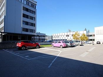 vorhanden Fernsicht Badewanne - Zentrale 4-Zi-Wohnung in Klagenfurt/Bahnhofstraße