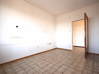 vorgemerkter Anschlüsse Küchenraum - Zentrale 4-Zi-Wohnung in Klagenfurt/Bahnhofstraße