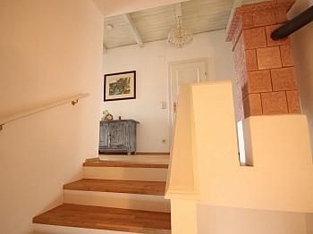 Teilweise Sanierung teilweise - Großzügiges Einfamilienhaus in sehr guter Lage
