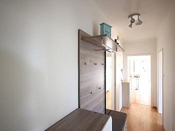 Badezimmer Rosentaler Waschtisch - 3-Zi-Wohnung in der Feldhofgasse inkl. Garagen