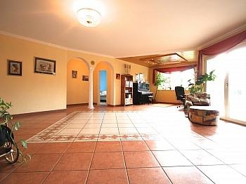 Haupteingang Schlafzimmer integrierter - Schönes Ein-/Zweifamilienwohnhaus Nähe Wernberg
