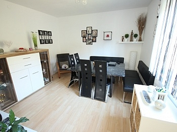eingebautem Wohnzimmer gepflegtes - Neuwertiges schönes Wohnhaus in Maria Rain