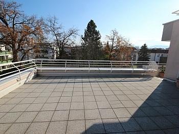 Eckwohnung Warmwasser Fernwärme - Junge 2 Zi Wohnung mit XL-Terrasse - Waidmannsdorf