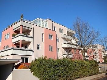 Carportstellplatz Waffenschmiedgasse Direktverrechung - Junge 2 Zi Wohnung mit XL-Terrasse - Waidmannsdorf