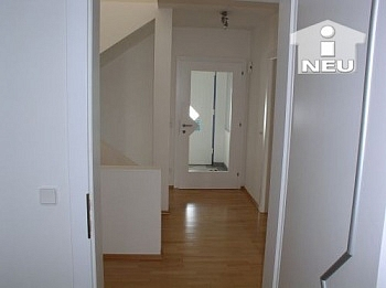 Vorraum Küche Diele - Neuwertiges Wohnhaus nähe Feldkirchen