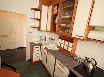 benutzbare Wohnzimmer bestehend - Schöne 2 Zi Wohnung mit Balkon in Klagenfurt