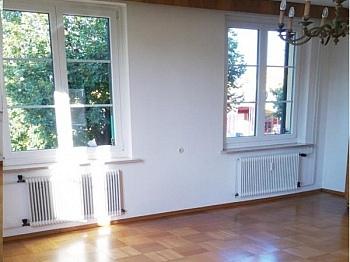 Parkettböden Fliesenböden Busverbindung - Achtung Schnäppchen! Sehr große 4 Zimmerwohnung