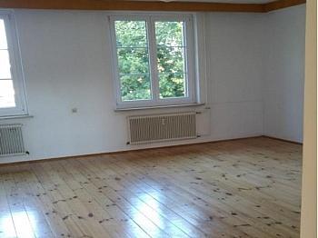 Zimmerwohnung Infrastruktur Lastenstraße - Achtung Schnäppchen! Sehr große 4 Zimmerwohnung