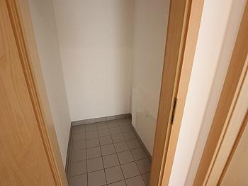 Diele Stock Jahre - TOP sanierte 75m² 2 Zi Wohnung in Viktring mit TG