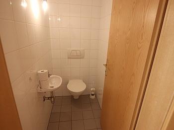 - TOP sanierte 75m² 2 Zi Wohnung in Viktring mit TG