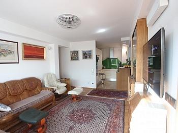 Ausgang Terrasse Wohnung - Exclusive 3-Zi-Wohnung in Klagenfurt Nord