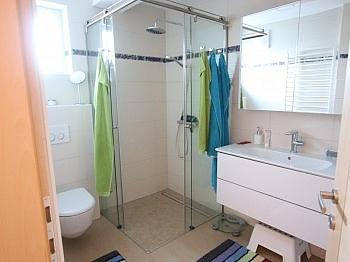 Erdgeschoss gemütliche aufgeteilte - Exclusive 3-Zi-Wohnung in Klagenfurt Nord
