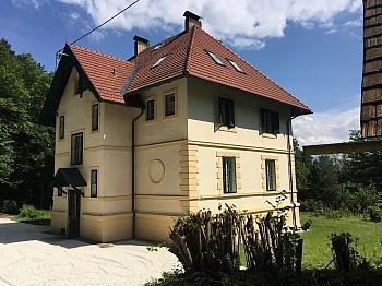 Villa Parkplätze Krumpendorf - 240m² Villa mit Garten in Krumpendorf