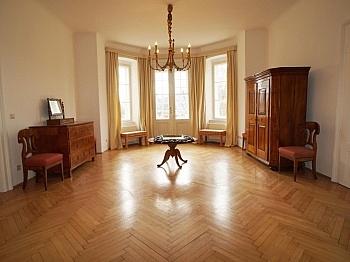 übernommen übernimmt Kachelofen - 240m² Villa mit Garten in Krumpendorf