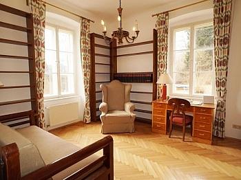 sonniger bezahlen Minuten - 240m² Villa mit Garten in Krumpendorf