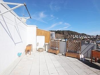 Küche Balkon Freizeitmöglichkeiten - 3 Zi Penthouse mit Karawankensicht auf 2 Ebenen