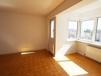 Hauseigenen Fernwärme Warmwasser - 3 Zi Penthouse mit Karawankensicht auf 2 Ebenen