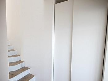 Bushaltestelle Hausverwaltung Fliesenböden - 3 Zi Penthouse mit Karawankensicht auf 2 Ebenen