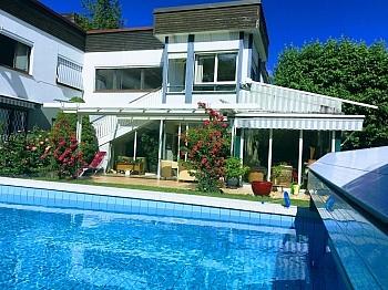 Pool Sektionaltoren anschließend - Akazienhofstrasse Villa in bester Lage