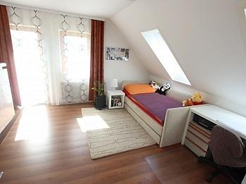 Saniert Küchen Laminat - Schönes saniertes Einfamilienwohnhaus in Welzenegg