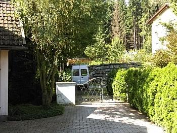 Einliegerwohnung befindet Küche - Großzügiges Wohnhaus in Sonnenlage mit Seeblick