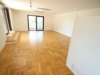 Sonnenterrasse kernsaniertes Fliesenböden - Traumhafte neue 135m² 3 Zi Wohnung am Stadtrand