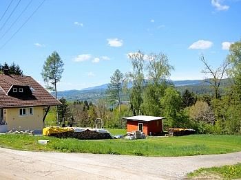 unmittelbarer öffentlichen Straßenseite - Baugrundstück mit Panoramablick in Schiefling