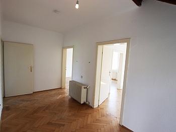 Abstellplätze Fliesenböden Heizsysthems - Gepflegtes Haus in St. Martin nahe Lend