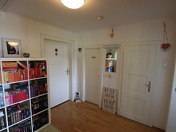 Vorraum Sofort Große - Schnäppchen! Große - zentrale 4 Zimmerwohnung