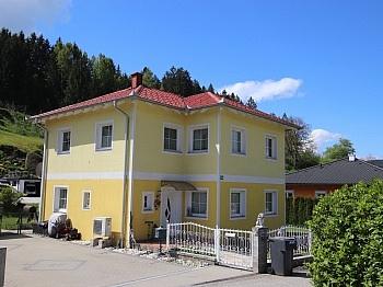 Diele Kaminanschlussmöglichkeit Gebäuderversicherung - Neuwertiges schönes 115m² Wohnhaus in Moosburg