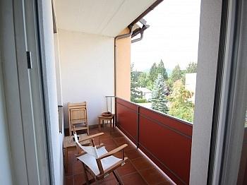 Anzengruberstrasse Kunststofffenster Einkaufsmärkte - 2- ZI Wohnung UNI und SEE-Nähe in Waidmannsdorf