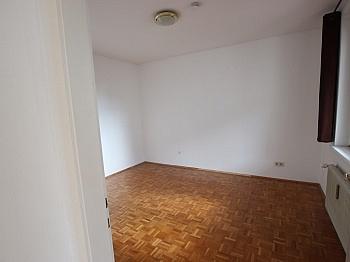 ausgerichtet Kellerabteil Schlafzimmer - 2- ZI Wohnung UNI und SEE-Nähe in Waidmannsdorf