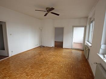 Wanne Nähe Haus - 2- ZI Wohnung UNI und SEE-Nähe in Waidmannsdorf