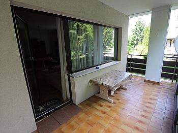Hochparterre Abstellraum Wohnzimmer - Schöne möblierte 2 Zi Whg. mit Balkon - Ratzendorf