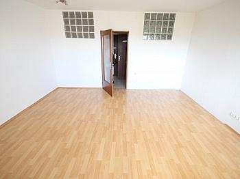 Haushaltstrom Kellerabteil Schlafraum - Garconniere 38m² mit XL Loggia in Waidmannsdorf
