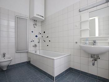Zimmer Sofort Ärzte - Schöne große 4 Zi Altbauwhg. in der Stadt