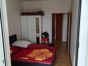 Bindung Balkon Garage - Schöne 2 ZI - Wohnung in Waidmannsdorf