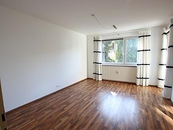 Schöne Wohnung sofort - Schöne 2 Z Wohnung in Waidmannsdorf UNI- See Nähe