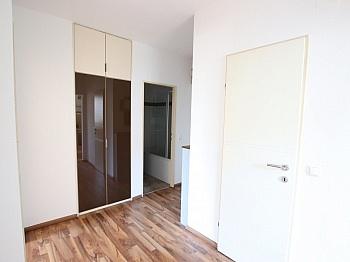 Heizung Vorraum Küche - Schöne 2 Z Wohnung in Waidmannsdorf UNI- See Nähe