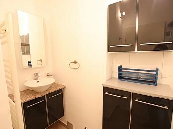 Wanne Stock Super - Schöne 2 Z Wohnung in Waidmannsdorf UNI- See Nähe