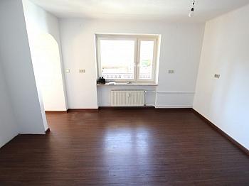 bestehend umfassend Gemeinde - Schöne 100m² 4 Zi Wohnung in Rotschitzen