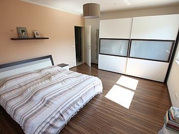 Kühlschrank Stellplätze Wärmepumpe - Neuwertiges schönes 130m² Wohnhaus in Ebenthal