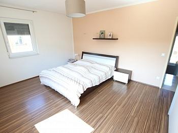überdachte Technikraum Bodenplatte - Neuwertiges schönes 130m² Wohnhaus in Ebenthal
