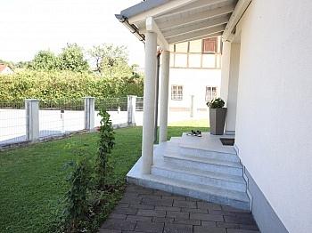 großer Rolltor Gewähr - Neuwertiges schönes 130m² Wohnhaus in Ebenthal